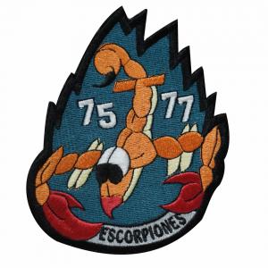 Escorpiones 75-77